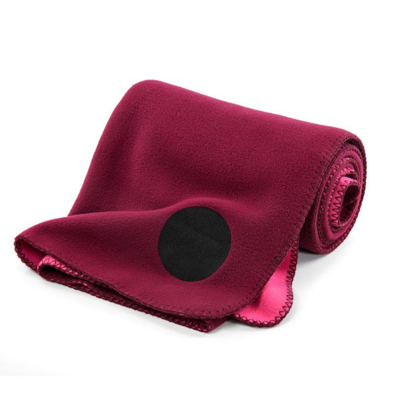 vw_fleeceblanket_wein_03_vienna_woods_fleece_blanket_rug_grey_wine_red_designer_design_print_fashion_style_home_outside_indoor_sun